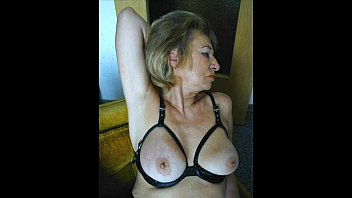 Busty mature wife gets a good CREAMPIE from husband